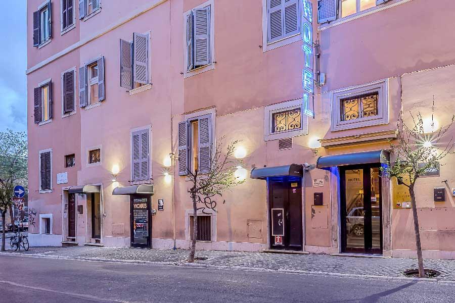 Hotel center 3 hotel economico roma centro for Hotel roma centro economici